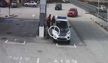 Video: maniobra más que peligrosa en una estación de servicio