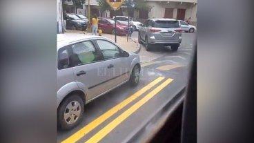 Video: nadie respeta la ciclovía de barrio Candioti Sur