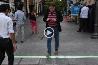 Así es el primer semáforo para peatones que utilizan el celular