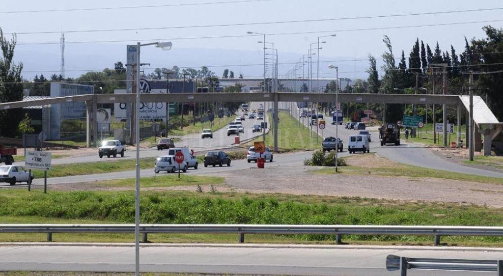 El choque se produjo en la Avenida La Voz del Interior.