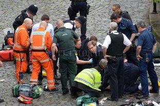 Atentado en Londres: 4 muertos y 20 heridos -  -