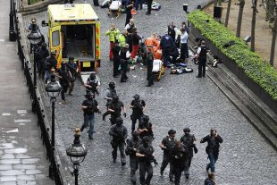 Atentado en Londres: 4 muertos y 20 heridos