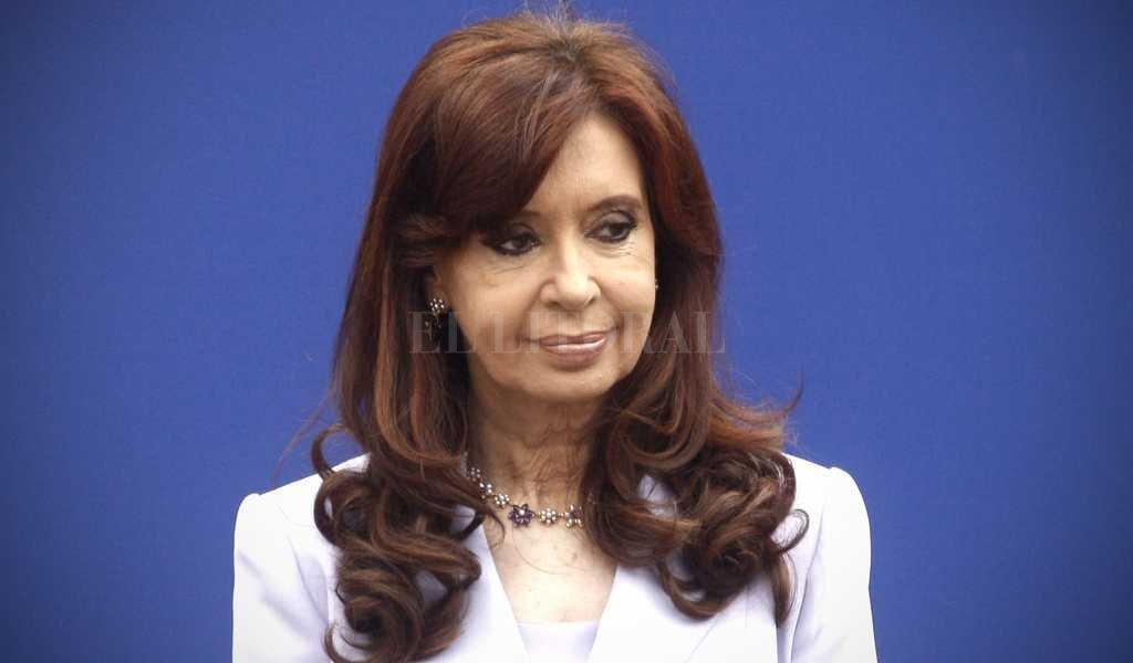 """Cristina Kirchner a juicio oral por la causa """"dólar futuro"""" -  -"""