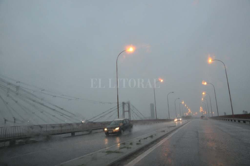 Bacheo: se licita en abril la reparación del Puente Oroño y la Ruta 168 -  -