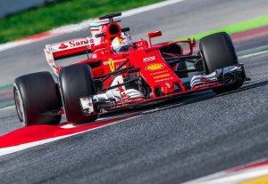 Vettel vence en Australia y termina con la larga sequía de Ferrari
