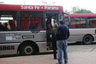 Se creó una comisión para coordinar el servicio de transporte de pasajeros entre Santa Fe y Paraná
