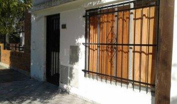 Violentos robos en dos casas