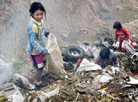 Hay 12,5 millones de pobres en la Argentina