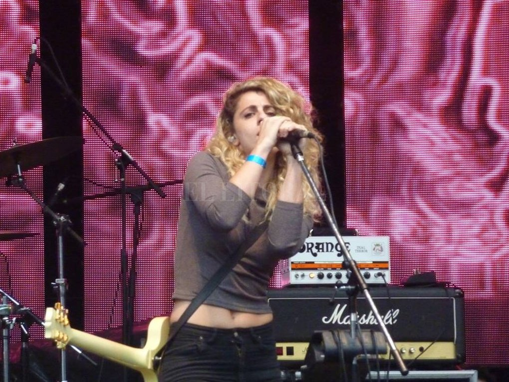 La artista durante su presentación en el festival Rock en Baradero, el pasado 4 de febrero, al frente de su banda renovada. Crédito: Ignacio Andrés Amarillo