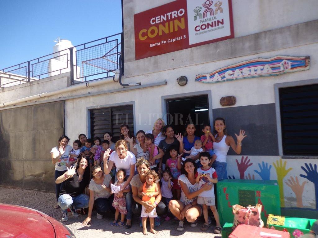 En Liceo norte. La Casita, de Almonacid 4541, es el centro Conin Santa Fe 3 al que hoy asisten 14 chicos con diferentes grados de desnutrición (leve, crónica o con déficit de talla) y sus 9 mamás. Crédito: Gentileza Fundación Hoy por Mañana