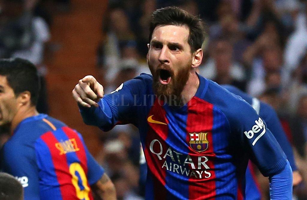 Messi mete doblete y el Barcelona tumba al Madrid