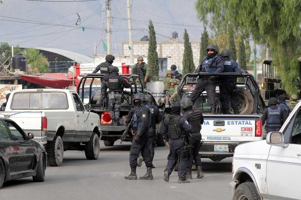 Diez muertos en choques armados por el robo de combustible en México