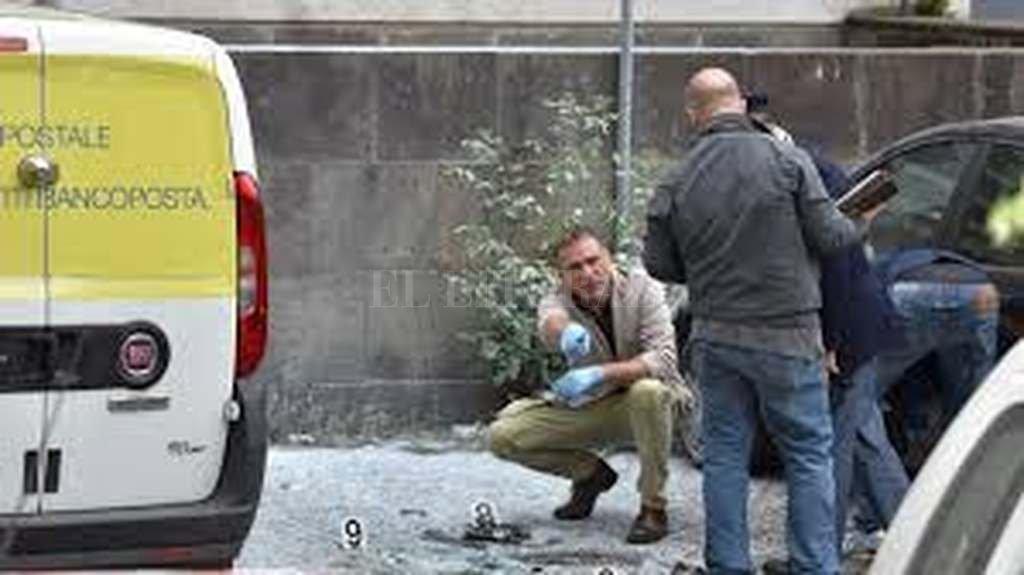Susto en Roma: explotó una bomba casera en pleno centro
