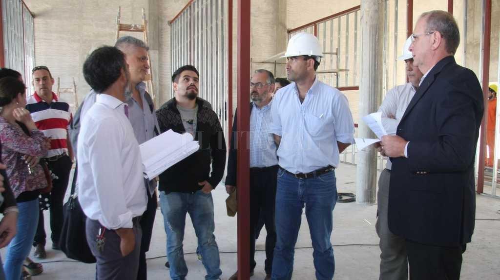 Recorrida por la obra del nuevo edificio del Instituto N° 12 Crédito: Gentileza gobierno de la Provincia