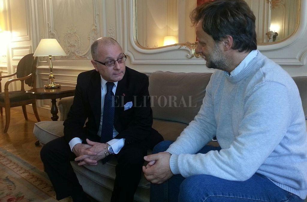Hace poco menos de un año, Jorge Faurie recibió a El Litoral en la sede de la Embajada argentina en Francia.  Crédito: Archivo El Litoral