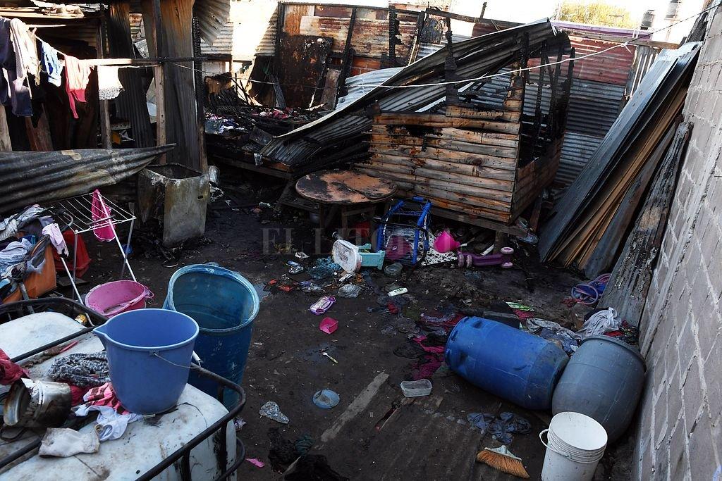 Mueren 4 nenas en un incendio en Lanús — Dramático