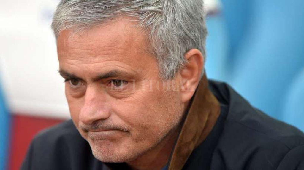 Fiscalía española acusa a Mourinho de evasión impositiva