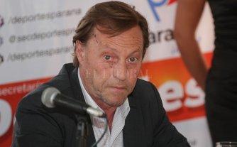 El intendente de Paraná recusó al juez y no será indagado este martes