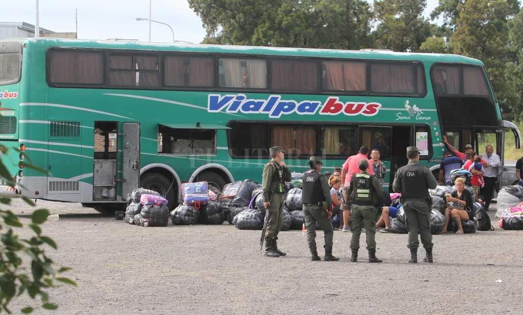 Detienen a cinco gendarmes por cobrar coimas a bagayeros en Salta