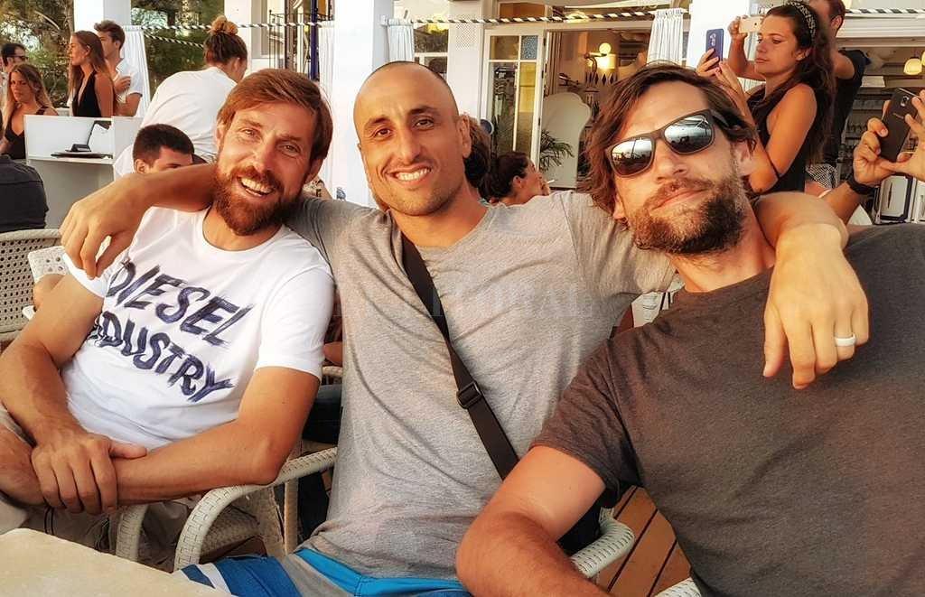 Manu Ginóbili de vacaciones con familia y amigos en Ibiza