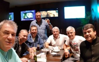 Campeones del Mundial 86 en Santa Fe para festejar con Pumpido