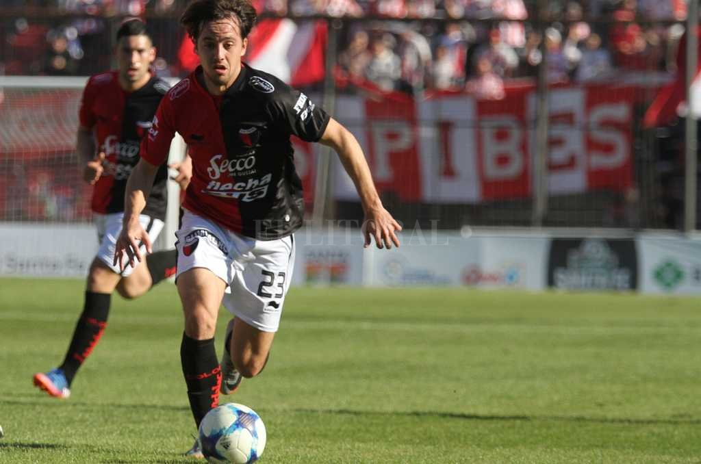 Bernardi, uno de los pilares de juego en el equipo sabalero Crédito: Luis Cetraro