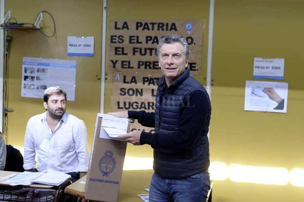Macri votó y almorzará con Lilita Carrió