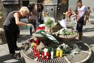 España homenajea a las víctimas del atentado en Barcelona