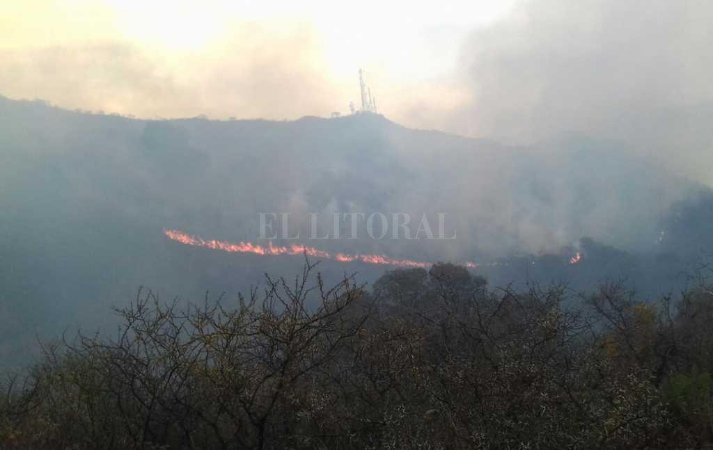 Afirman que el incendio en el cerro Mogote está