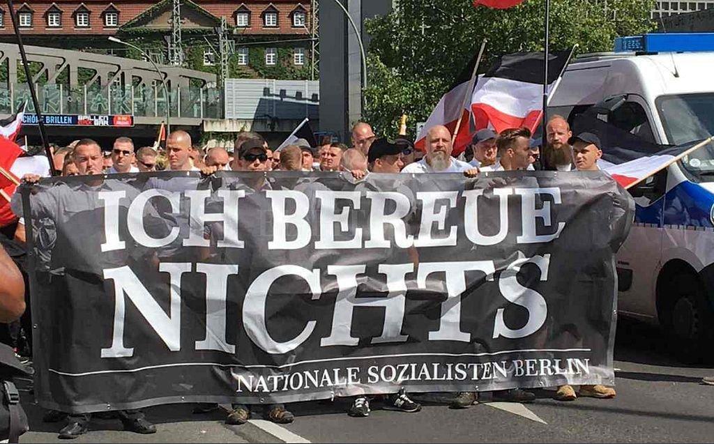 Policía de Berlín detiene a 39 personas en marcha neonazi