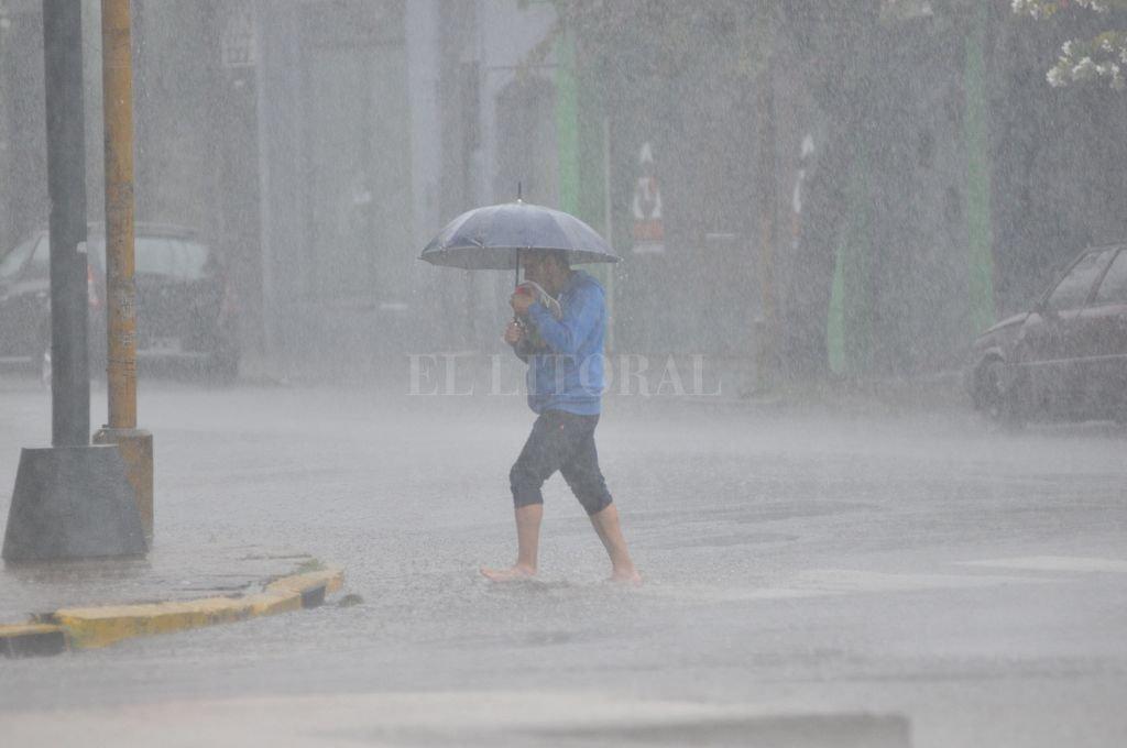 Prevén lluvias intensas y caída de granizo — Alerta meteorológico