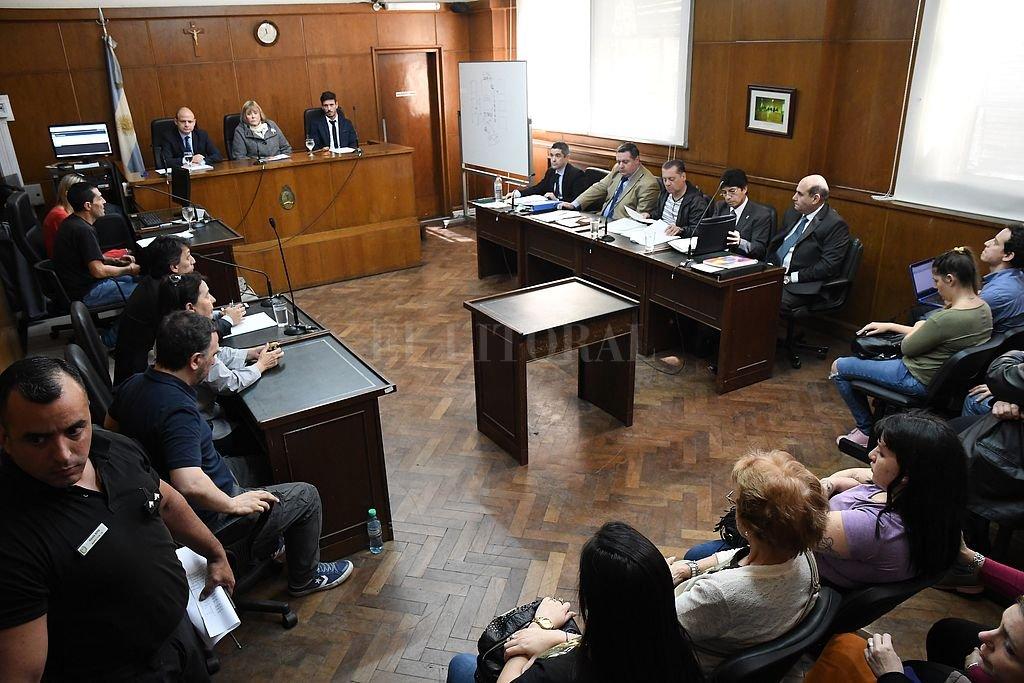 Se suspendió el juicio contra tres bomberos — Tragedia de Once