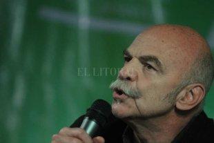 Martín Caparrós pasó por la Feria del Libro de Santa Fe