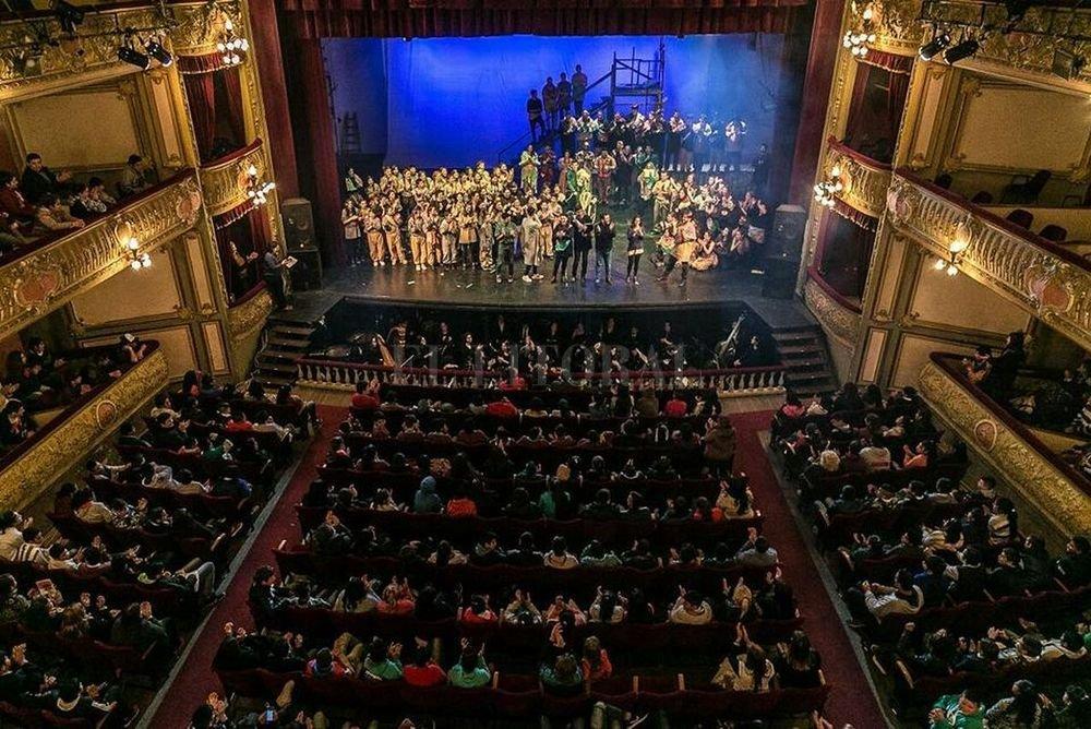 La puesta se presentó el miércoles, jueves y viernes, en el Teatro Municipal, con funciones para escuelas y público general. Crédito: Gentileza Ministerio de Innovación y Cultura