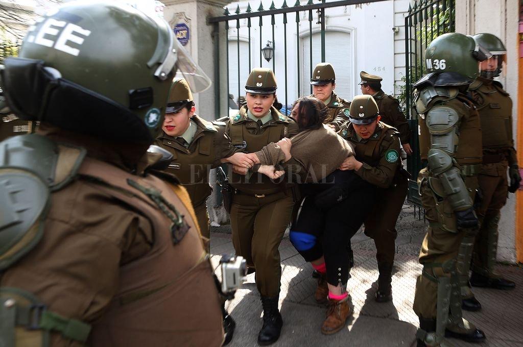 Comunero mapuche en huelga de hambre presenta problemas en el colon