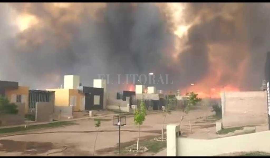 Gigantescos incendios azotan ciudades de San Luis — Videos
