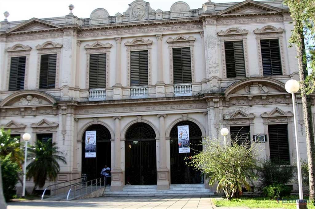 Intoxicación masiva en una escuela de Corrientes: internaron a 15 alumnos