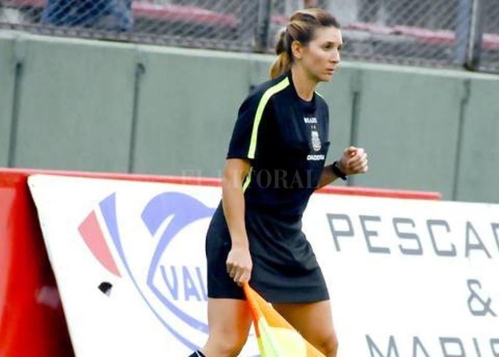 Gisela Trucco, la primera árbitro mujer que debutará en la Superliga