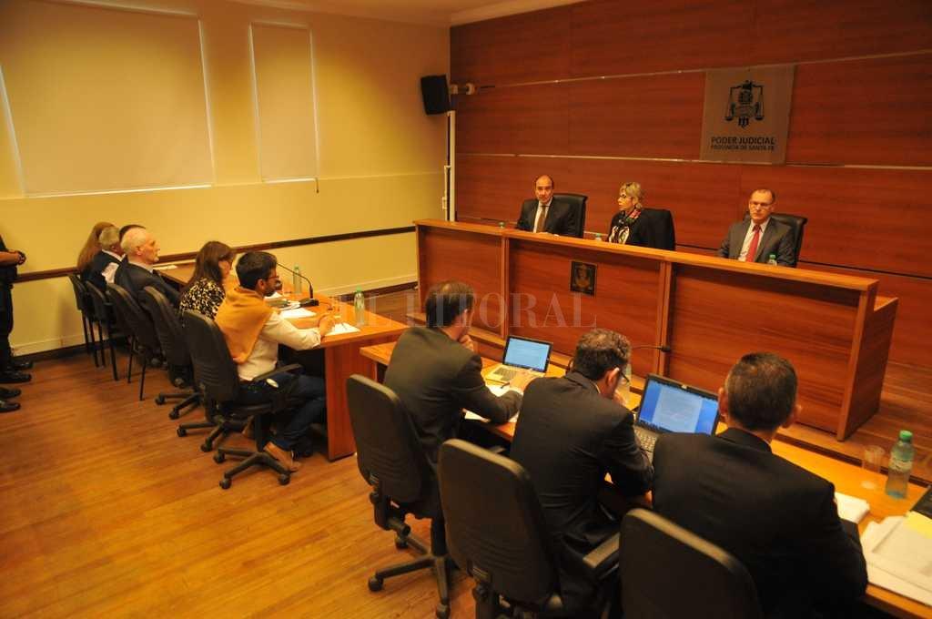 El tribunal está integrado por los jueces Jorge Pegassano, Susana Luna -presidente- y Octavio Silva. <strong>Foto:</strong> Flavio Raina
