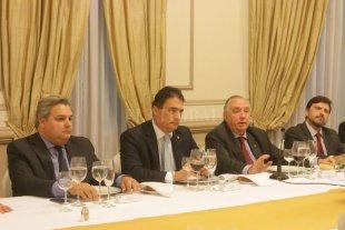 La Bolsa agasajó con una cena al embajador de suiza