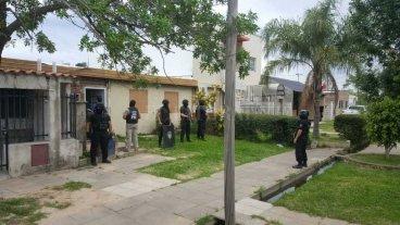 Drogas, dinero y una detenida en barrio El Pozo