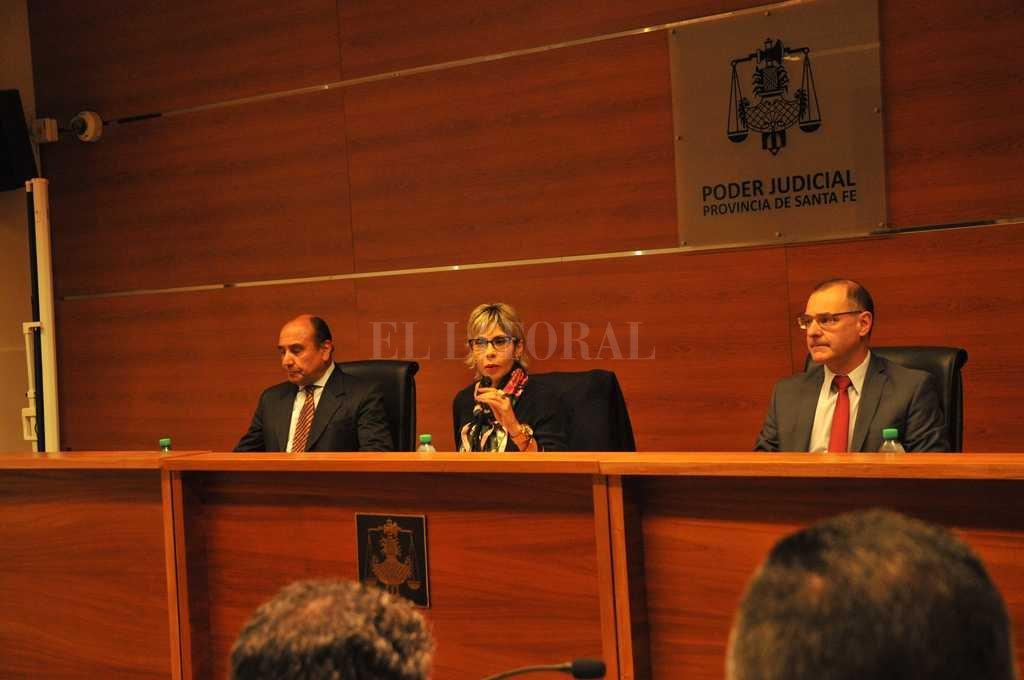 El juicio oral se inició el 25 de octubre bajo la dirección de los jueces Pegassano, Luna -presidente- y Silva. Crédito: Flavio Raina