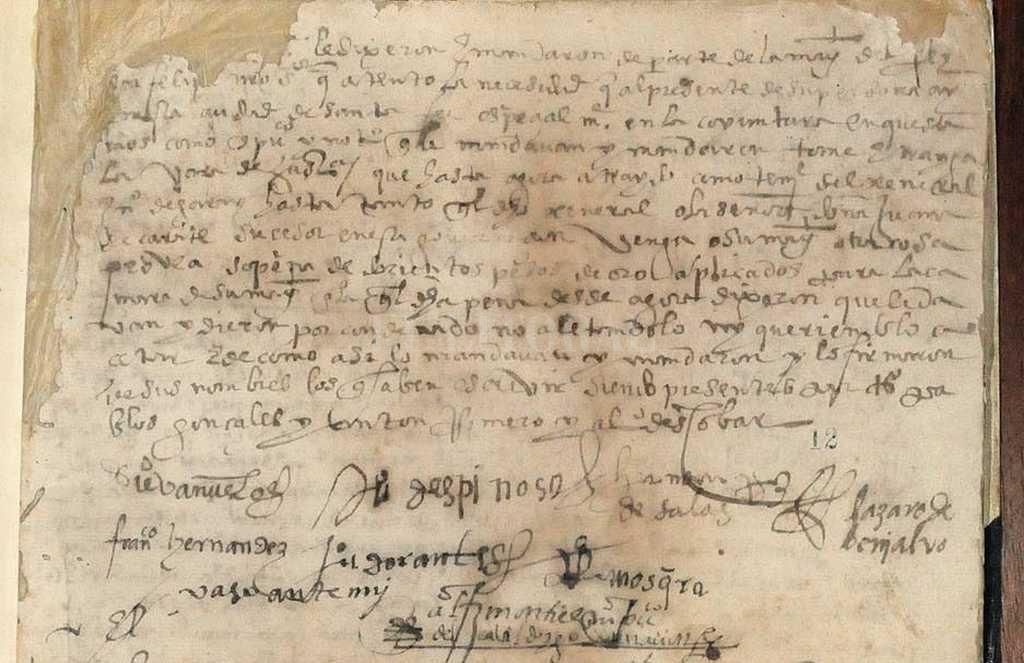 Acta del Cabildo De Santa Fe con las firmas de algunos de los jefes del movimiento de 1580, conocido como Revolución de los 7 jefes. <strong>Foto:</strong> Archivo El Litoral