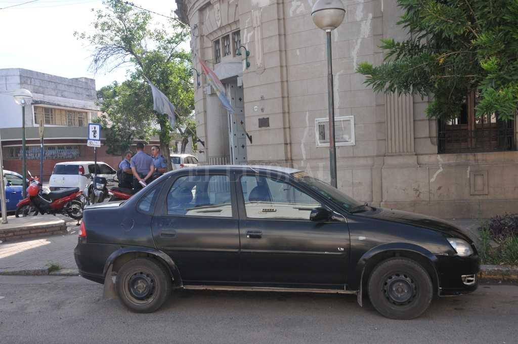 Este martes por la mañana, el móvil que conducía la víctima se encontraba en la Seccional 4ta Crédito: Flavio Raina