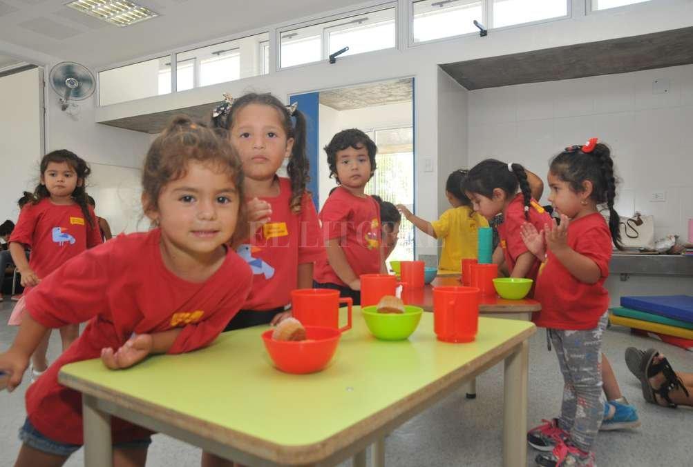 Espacio para crecer. El jardín se construyó para que los niños del barrio tengan la oportunidad de una educación de calidad. Posee juegos didácticos, espacios recreativos y elementos de higiene.   Crédito: Flavio Raina