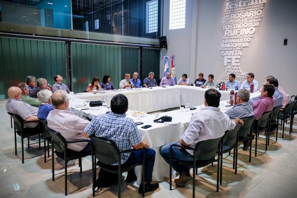 Reunión de sindicatos, tras el anuncio de la reforma. <strong>Foto:</strong> Agencia