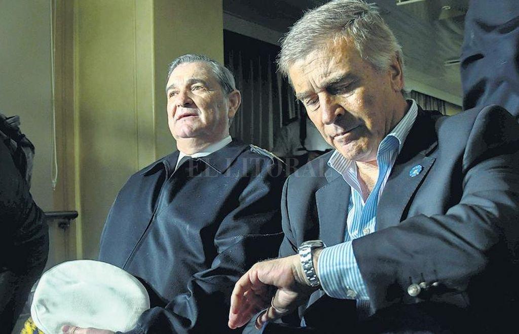 El ministro de Defensa, Oscar Aguad y el almirante Marcelo Srur.  <strong>Foto:</strong> Internet