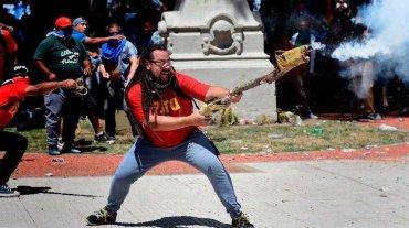"""Ordenaron detener al manifestante de la """"bazuca"""" casera"""