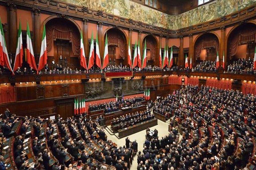 Italia se prepara para disolver el parlamento y convocar for Concorsi parlamento italiano 2017