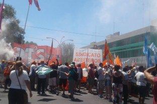 Explosión en Cofco: aceiteros marcharon en repudio a la muerte de dos trabajadores